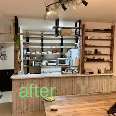 棚板/キッチン収納/キッチン/カフェ風インテリア/カフェ風/収納/... キッチンをカフェ風な棚へDIY   既製…