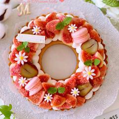 お菓子作り/秋のフルーツ/フルーツタルト/ハロウィン/手作りケーキ/手作りおやつ/... 🎀いちじくのリースタルト  栗も少しプラ…