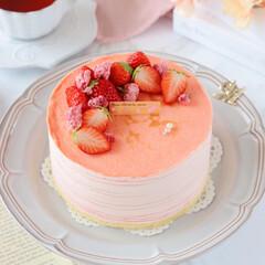 cake/STRAWBERRY/sweets/Cafe/桜スイーツ/おうちカフェ/... 🌸ミルクレープ  桜餡入りのクリームに苺…(4枚目)