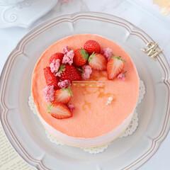 cake/STRAWBERRY/sweets/Cafe/桜スイーツ/おうちカフェ/... 🌸ミルクレープ  桜餡入りのクリームに苺…(5枚目)