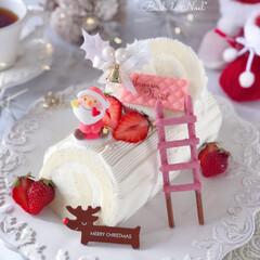 White/Christmas/sweets/Cafe/cake/手作りクリスマス/... 🎄ブッシュドノエル❄️ホワイトver. …