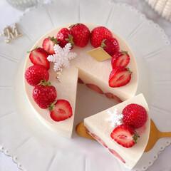STRAWBERRY/cake/Cafe/sweets/いちごケーキ/手作りデザート/... 🍓ホワイトチーズムースケーキ  大好きな…(4枚目)