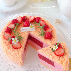 sweets/Cafe/cake/STRAWBERRY/手作りスイーツ/手作りケーキ/... 🍓いちごムースケーキ  いちごムースにジ…
