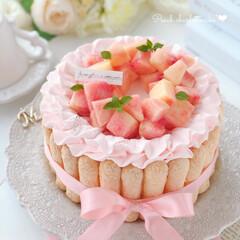 Cafe/cake/sweets/pink/peach/手作りデザート/... 🍑桃のシャルロットケーキ  中まで綺麗な…