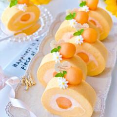 手作りケーキ/ケーキ/メロン/フォトジェニック/お菓子作り/手作りお菓子/... 🍈メロンムースロールケーキ  赤肉メロン…