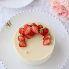 Cafe/sweets/STRAWBERRY/cake/手作りデザート/手作りスイーツ/... 🍓ホワイトチーズムースケーキ  ホワイト…(3枚目)