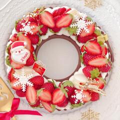 sweets/Cafe/Christmas/STRAWBERRY/お菓子作り/おうちカフェ/... 🍓いちごのリースタルト  小粒ないちごを…(1枚目)