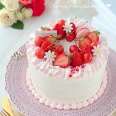 happybirthday/stayhome/cherry/Cafe/sweets/cake/... 🎂いちごとさくらんぼのデコレーションケー…