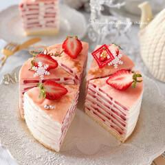 STRAWBERRY/Christmas/クリスマス/cake/Cafe/sweets/... 🍓苺のミルクレープケーキ  ケーキのよう…