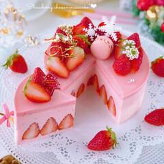 STRAWBERRY/cake/Cafe/sweets/おうちカフェ/手作りおやつ/... 🍓『いちご感たっぷりチーズムースケーキ♡…