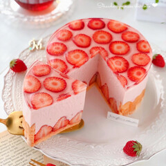 Cafe/cake/sweets/STRAWBERRY/萌え断/手作りお菓子/... 🍓苺ムースのシャルロット  いちごの水玉…(1枚目)