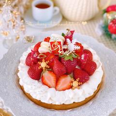 Christmas/STRAWBERRY/Cafe/cake/sweets/イチゴ/... 大粒のいちごでいちごタルトを作りました🍓…