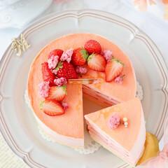 cake/STRAWBERRY/sweets/Cafe/桜スイーツ/おうちカフェ/... 🌸ミルクレープ  桜餡入りのクリームに苺…(2枚目)