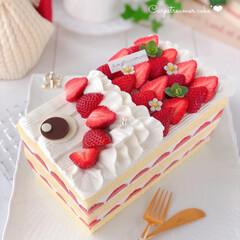 手作りおやつ/手作りケーキ/手作りスイーツ/手作りデザート/手作りお菓子/お菓子作り/... 今日はこどもの日なので 🎏こいのぼりケー…