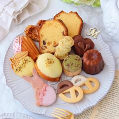 cake/cookies/マドレーヌ/カヌレ/お菓子便/レモンケーキ/... 🍋焼き菓子たち  先日作った焼き菓子いろ…(1枚目)
