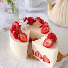STRAWBERRY/cake/Cafe/sweets/いちごケーキ/手作りデザート/... 🍓ホワイトチーズムースケーキ  大好きな…(3枚目)