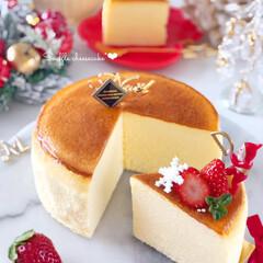 Christmas/cheesecake/Cafe/cake/sweets/手作りデザート/... 🍓スフレチーズケーキ  表面がひび割れや…