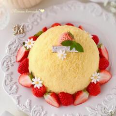 STRAWBERRY/Cafe/cake/sweets/いちごケーキ/手作りデザート/... 🌼ミモザケーキ  今日3月8日はミモザの…