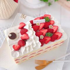 手作りおやつ/手作りケーキ/手作りスイーツ/手作りデザート/手作りお菓子/お菓子作り/... 今日はこどもの日なので 🎏こいのぼりケー…(2枚目)