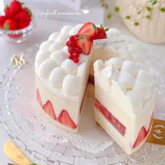 cake/Cafe/STRAWBERRY/sweets/おうちおやつ/手作りお菓子/... 🍓ヨーグルトムースケーキ  フレジェ風に…