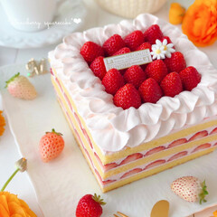 スイーツ/ケーキ/いちごケーキ/ショートケーキ/お祝いケーキ/LIMIAスイーツ愛好会/... 🍓いちごのスクエアケーキ  久しぶりにス…
