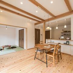 新築/注文住宅/自然素材/珪藻土/塗り壁/柱/... 床は全室ヒノキの無垢フローリングです。 …
