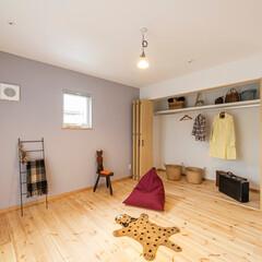 新築/注文住宅/クローゼット/収納/自然素材/塗り壁/... 寝室には収納力たっぷりのクローゼットを設…