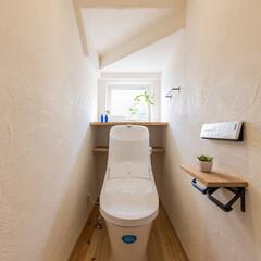 新築/注文住宅/無垢フローリング/ヒノキ/珪藻土/塗り壁/... ヒノキの無垢フローリングと、珪藻土の塗り…