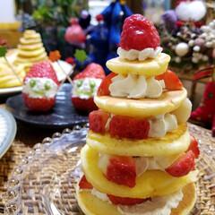 サンタクロース/いちご/パンケーキ/ケーキ/手作り/クリスマスイブ/... 主人と二人のクリスマスイブ。 鶏焼いて🍺…