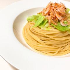 pasta/手作り/イタリアン/lunch/お昼ごはん/令和の一枚/... lunch゚・*:.。❁  今日は桜えび…