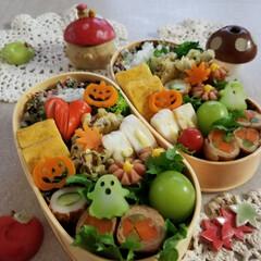 ご飯/お弁当/フォロー大歓迎/食欲の秋 きのこの天ぷら&シャインマスカット