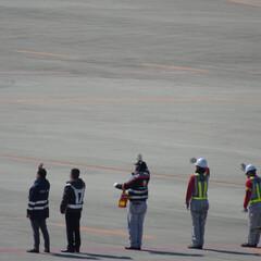 グランドハンドリング/グラハン/空港/航空写真/広島空港/バイバーイ(@^^)/~~~ しっかりやって来いよ! 行ってらっしゃい!
