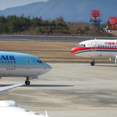 広島空港/航空写真/飛行機/向かい合い/駐機場/大韓航空/... hello!