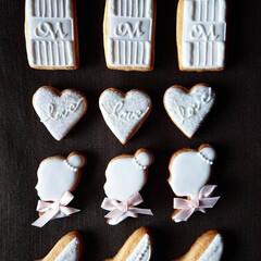 ウェディング/手作りクッキー/アイシングクッキー 真っ白でアイシング 淡いピンクがアクセン…(3枚目)