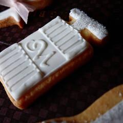 ウェディング/手作りクッキー/アイシングクッキー 真っ白でアイシング 淡いピンクがアクセン…(2枚目)