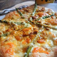 手作りピザ/おうちごはん/暮らし/うちの定番料理 アスパラガスが美味しい‼️ 湯がいてマヨ…