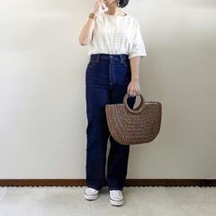 白スニーカー/デニムパンツ/春コーデ/ママファッション/夏コーデ/おしゃれ/... 𓃟ﻌﻌﻌ❤︎𓃟ﻌﻌﻌ❤︎ * #ootd…