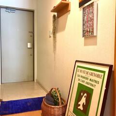 ハンギングプラント/ドライフラワー/ギャッベ/写真/アートポスター/ボタニカル/... 我が家の玄関です。 夫の個性の強い写真が…