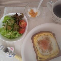 おいしかったぁ/休日の朝食/マヨたまトースト 休日ブランチ😆 こんがりマヨたまトースト…