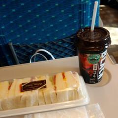 いってきます/帰省/九州/新幹線/夏休み おはよーございます☀️ さて、今日から帰…