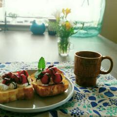 アンティークカップ/オープンサンド/100均/ニトリ ちょっと遅めの甘い朝食😄