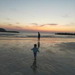 海辺/夕日の沈む頃/令和の一枚/フォロー大歓迎/風景/はじめてフォト投稿 海辺の夕日
