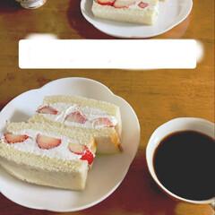 LIMIAファン/スィーツ/フルーツサンドとコーヒーのセット/フォロー大歓迎/3時のおやつタイム/暮らし/... おうちカフェ フルーツサンドとコーヒーの…