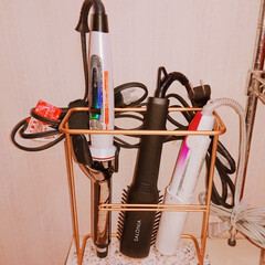 洗面所/収納/ヘアアイロン収納 今までのヘアアイロン収納は 洗面台の下扉…(1枚目)