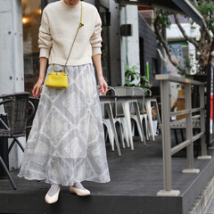 春コーデ/ホワイトコーデ/プチプラコーデ/着回しコーデ/ファッション/ロングスカート 肌寒くても春色が着たい日のコーデ しっか…