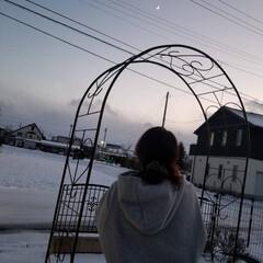 三日月/冬の空 三日月と私(笑)😁 寒すぎ❗(1枚目)