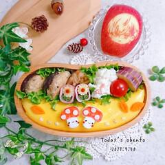 椎茸つくね/オムライス/きのこちゃん/りんご飾り切り/秋弁当/ランチ/... 今日は🍄( '-' 🍄 )キノコチャン(1枚目)