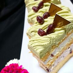 ふわふわ/しっとり/スポンジケーキ/手作りケーキ/スクエアケーキ/抹茶小豆/... 今日は母の誕生日なので 抹茶小豆ケーキ作…(2枚目)