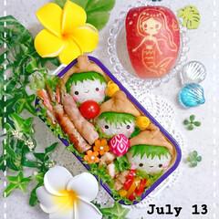 お昼ごはん/ランチ/ラディッシュ飾り切り/りんご飾り切り/手作り弁当/娘弁当/... 今日の娘のお弁当です✨ お友達の分も持た…