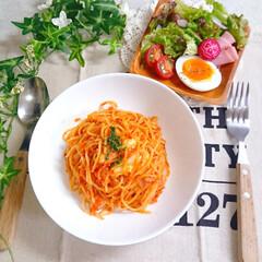 パスタランチ/アラビアータ/パスタ/お昼ごはん/おうちごはん/ランチ 今日のお昼ごはんです😃 朝からコトコト煮…